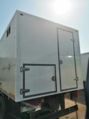 Замена задней стенки на б/у фургоне