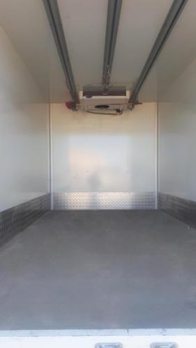 Изотермический фургон-тушевоз с ХОУ, вид изнутри